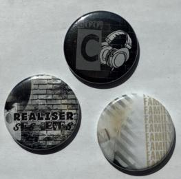 BADGES (x3) - Rock Family (Cool, Familly....)